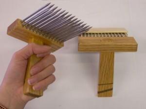 A wool comb.